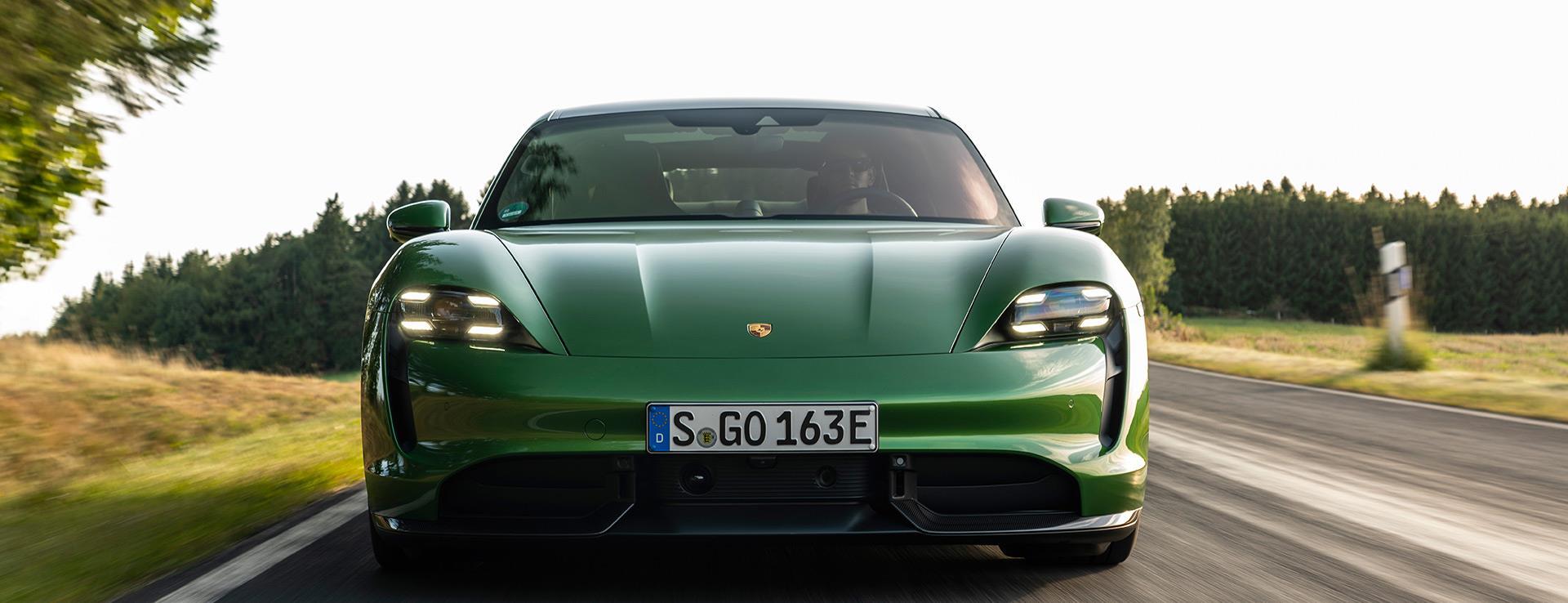 Porsche - Dünyada Yılın Otomobilleri Ödülleri'nde  Porsche Taycan'a çifte ödül