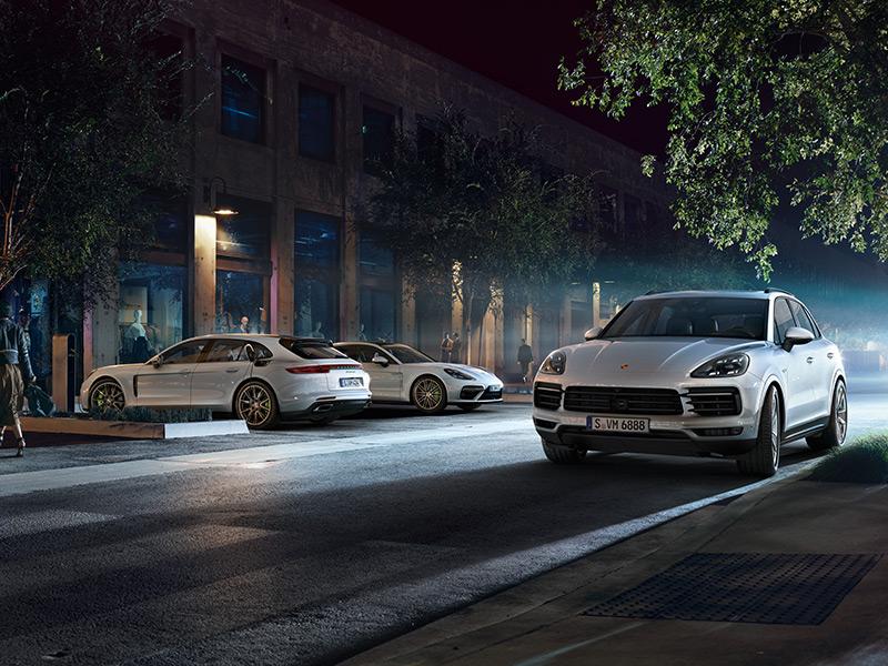 Porsche Porsche E-Performance - Elektrikli Aracı Keşfedin.