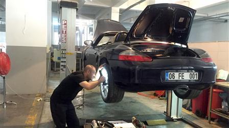 Kavi Porsche